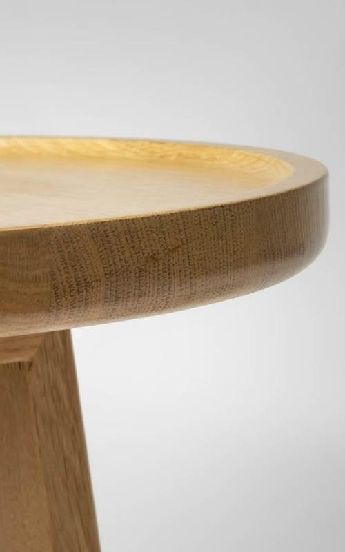 MSM Tischmodell Marie Beistelltisch aus massiver Eiche Kante Tischplatte im Detail