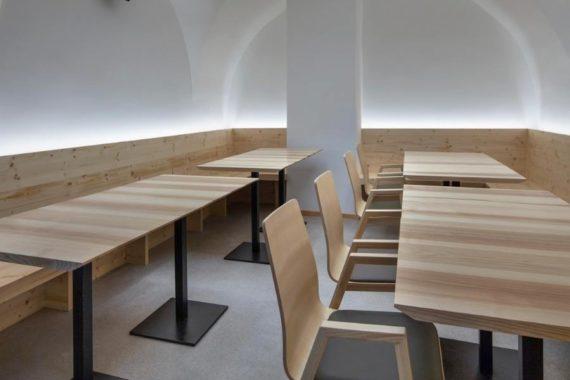 MSM Tisch 509, Bistrotisch, Gestell schwarz, Tischplatte rechteckig, aus Holz
