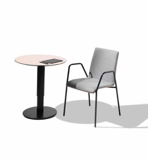 MSM work table 2 Beistelltisch Gestell schwarz Tischplatte rose beschichtet in Kombination mit Stuhl