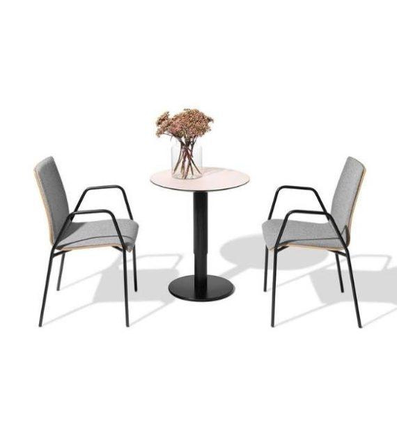 MSM work table 2 Beistelltisch Gestell schwarz Tischplatte rose beschichtet in Kombination mit Stühlen