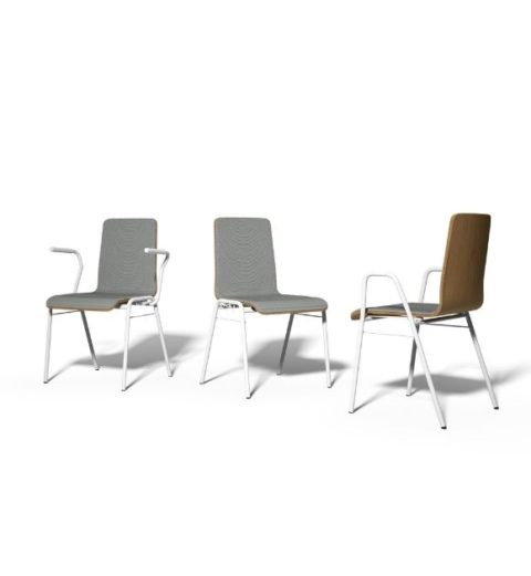 MSM Stapelstuhl in Gruppe mit weißem Gestell und grauer Polsterung der Sitzfläche