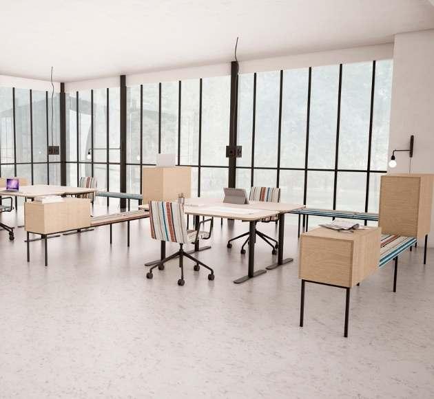 MSM Sideboard Heinrich mit Drehstuhl FF11 und höhenverstellbaren Tisch Lotte Lift im Open Office